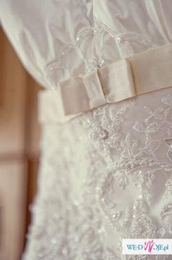 Elegancka suknia ślubna Kareen Kolekcja 2011