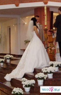 Gustowna suknia slubna francuskiej firmy HERMS