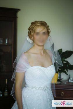 Gustowna suknia ślubna model DARWEN z kolekcji Herm's 2013