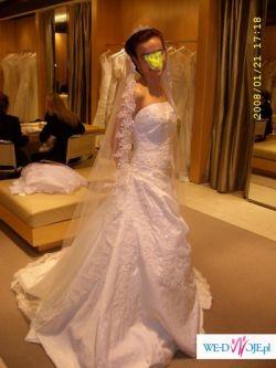 hiszpańska suknia Pronovias model Nepal
