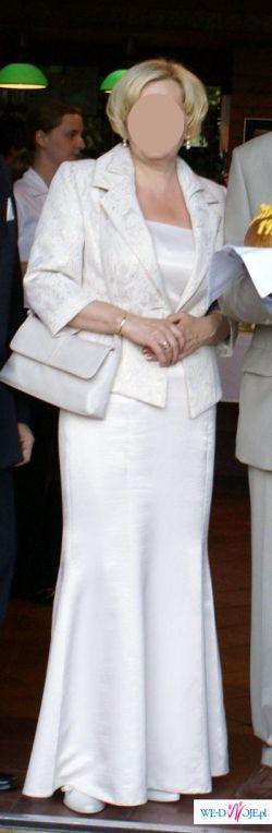 Jasna elegancka suknia wieczorowa z żakietem