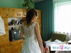 Klasyczna, elegancka suknia ślubna