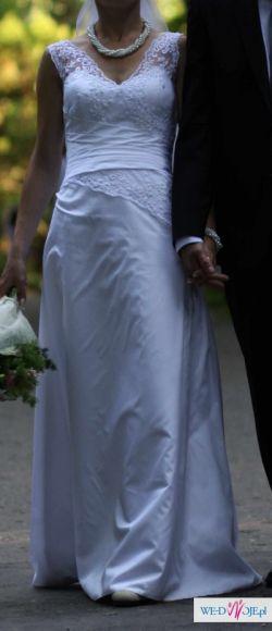 Klasyczna suknia ślubna 36-38
