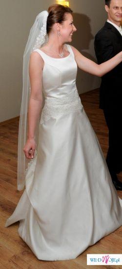 Klasyczna suknia ślubna od projektantki!