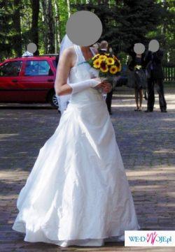 klasyczna suknia ślubna z salonu Agnes w Chorzowie