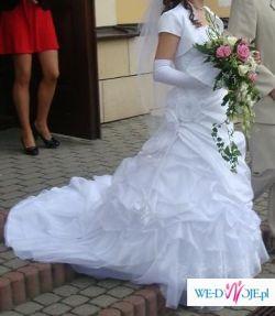 KOLEKCJA 2009  przepiękna śnieżnobiała suknia  z salonu A.Skrzeszowskiej