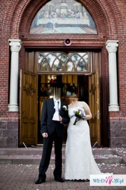 koronkowa, śmietankowa suknia ślubna