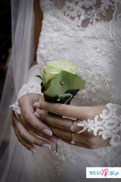 Koronkowa suknia inspirowana stylem hiszpańskim i kolekcją Sincerity - 2 oblicza