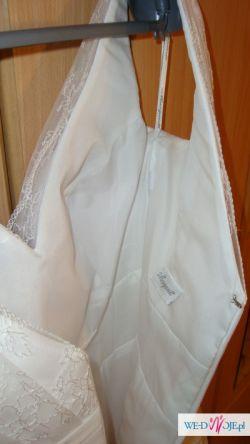 Koronkowa suknia ślubna Daisy Margarett