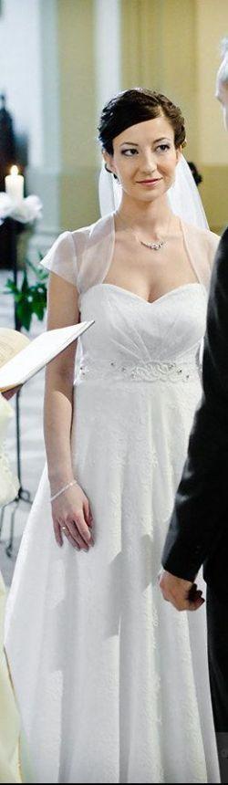 Koronkowa suknia ślubna Rozalia
