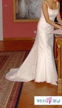 koronkowa suknia slubna z bolerkiem
