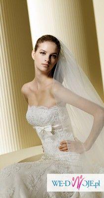 Koronkowa suknia ślubna z trenem La Sposa Finesa