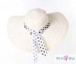 Kremowy kapelusz ze wstążką