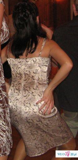 Krótka sukienka - idealna do zabawy