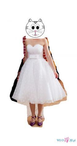 Krótka suknia w stylu lat 50tych