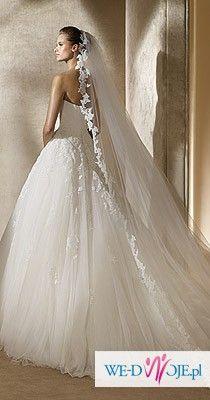 Kupię długi welon pronovias do sukni alcanar kolor śnieżnobiały