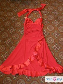 Kusząca czerwona sukienka