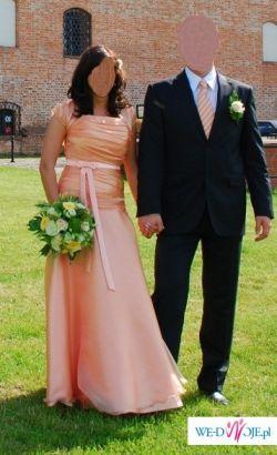 Łososiowa suknia ślubna