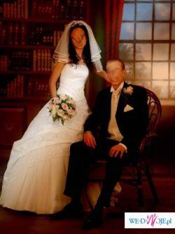Lśniąca suknia ślubna