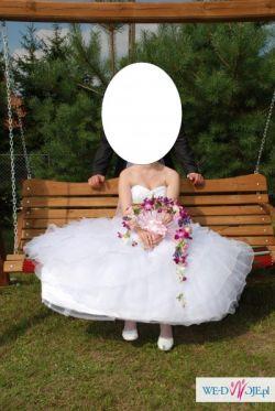 Najmodniejsza suknia ślubna sezonu-hiszpanka,falbany,tren,roz.38