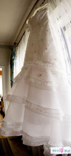 niedroga suknia z salonu