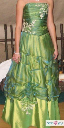 niepowtarzalna sukienka