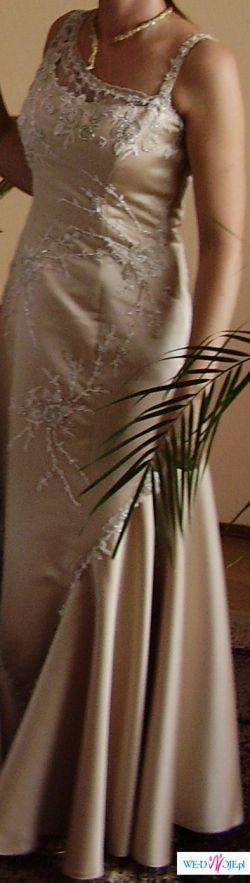 Niepowtarzalna suknia