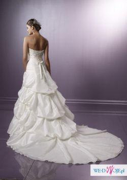 Niepowtarzalna suknia alubna