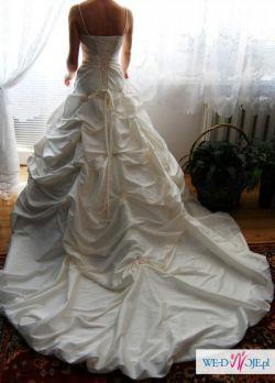 Niepowtarzalna suknia marzeń