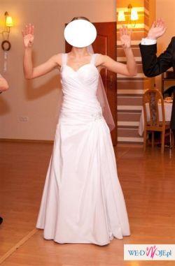 Niepowtarzalna suknia ślubna - Emmi Mariage Navel