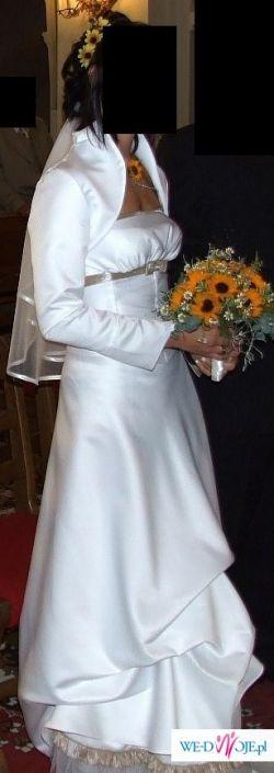 Niepowtarzalna suknia ślubna w rozmiarze 38