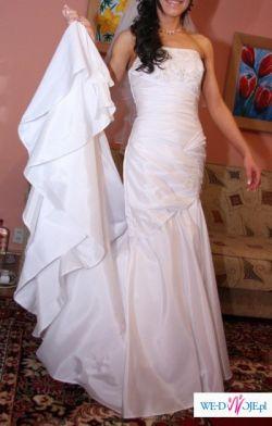 Niepowtarzalna suknia z Anglii