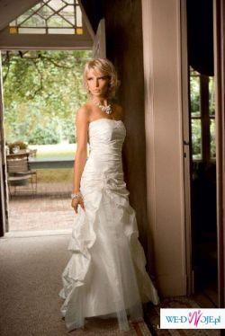 Niesamowita suknia Linea Raffaelli