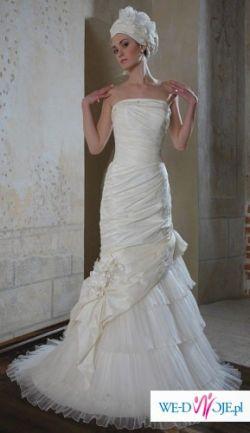 Niesamowita suknia ślubna firmy Classa!