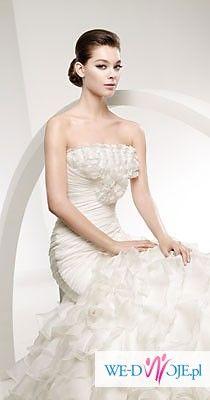 Nietuzinkowa, hiszpańska suknia Libano z kolekcji 2010 La Sposa