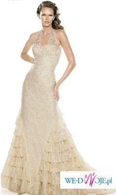 Niezwykle kobieca suknia La Sposa, kolekcja 2007