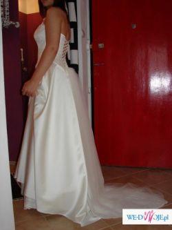 Nowa suknia w kolorze ecru na koronce wyklejanej kryształami swarovski