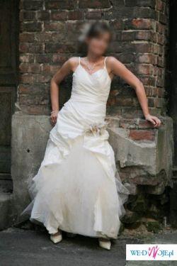 nowoczesna suknia Linea Raffaeli