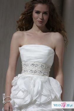 Odważna i przebojowa suknia Sarah Danielle 2010