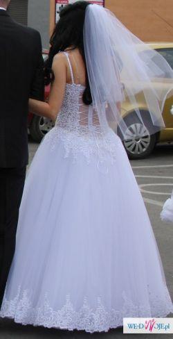 OLŚNIEWAJ wyglądem z suknią Adrienne