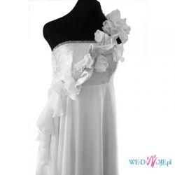Oryginalna suknia ślubna na jedno ramię