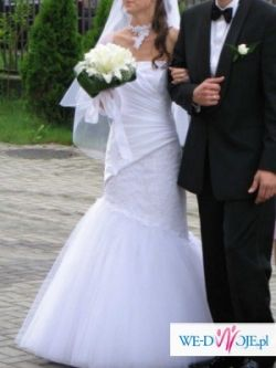 Oryginalna suknia z salonu Farage