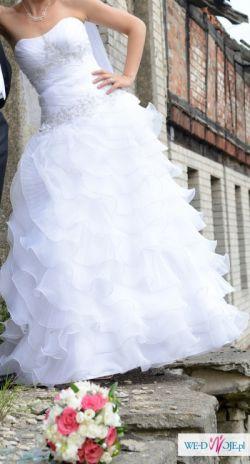 Ozdobna suknia ślubna