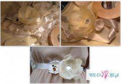 Pasek do sukni ślubne, choć nie tylko. Pięknie zdobiony piórkami i kryształkami.