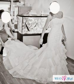Piękna Allure Bridals kolekcja 2011