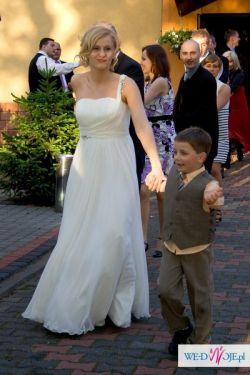 Piękna delikatna zwiewna suknia ślubna model 2010
