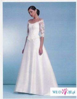 Piękna i delikatna suknia Emelie Costa