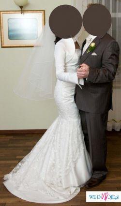 Piękna i modna suknia ślubna w kształcie rybki