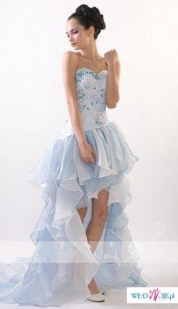 Piękna i oryginalna sukniaAustriackiej firmy Leona Lee