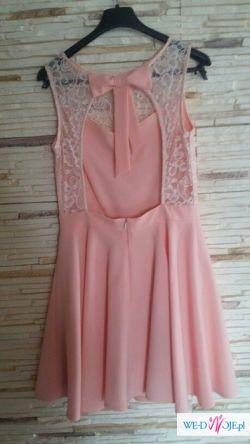 Piękna kloszowana sukienka